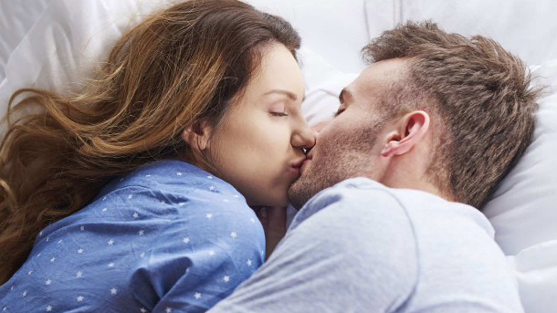 kissing images